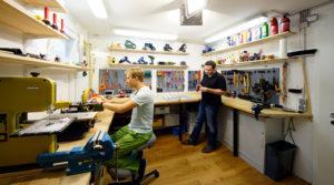 Как открыть багетную мастерскую: с чего начать, оборудование, помещение, персонал, секреты работы