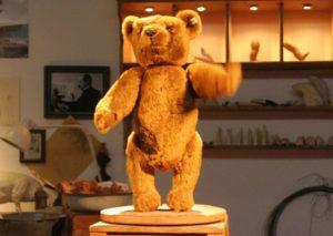 Teddy Bear и Плюшевый Мишка: история возникновения